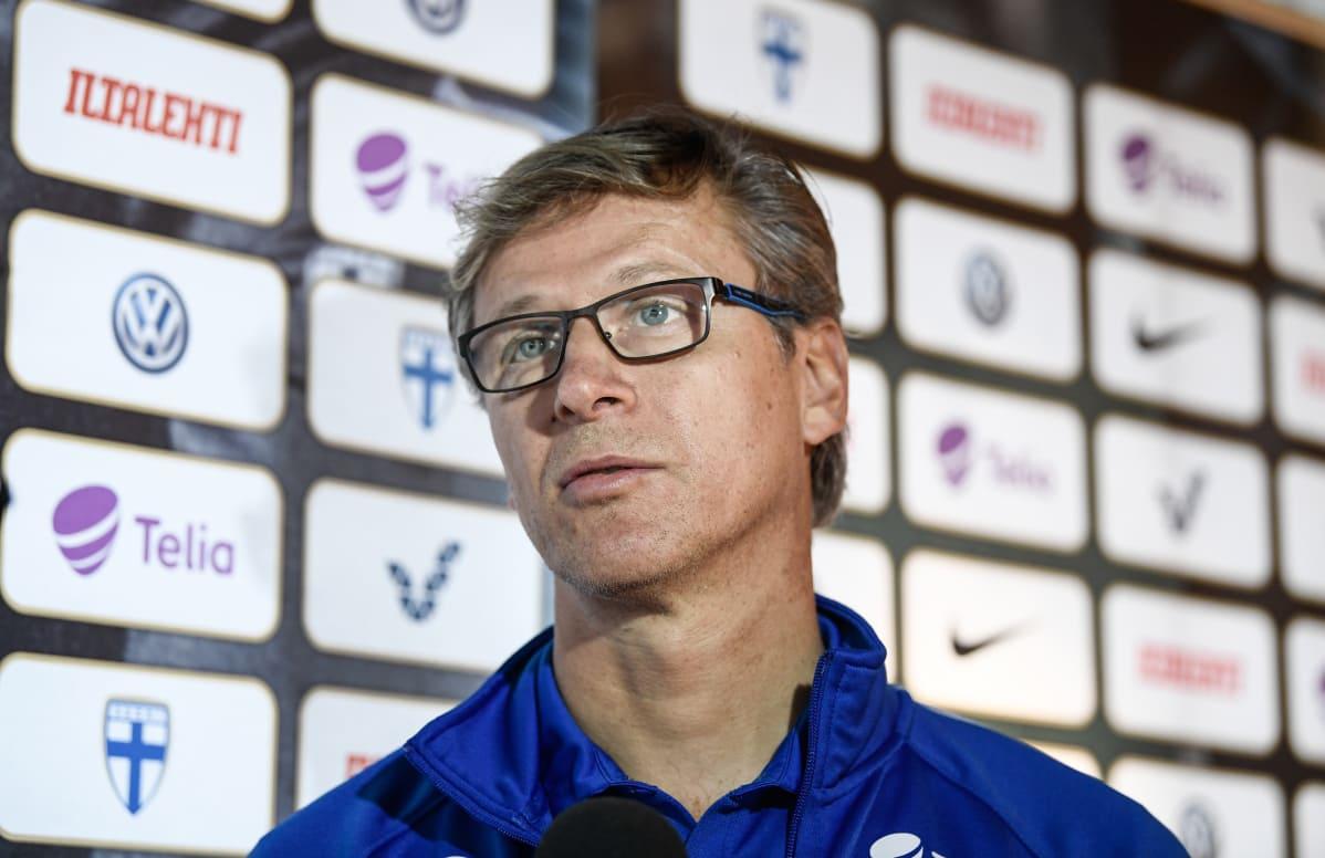 Markku Kanerva eri linjoilla Jürgen Kloppin kanssa | Yle Urheilu | yle.fi