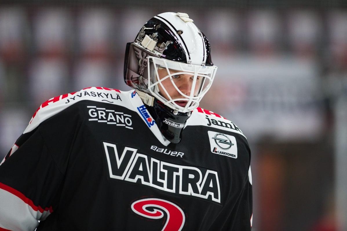 Liiga teki uuden linjauksen maalivahdin häirinnästä - tuomarijohto reagoi Lukon voittomaaliin ...