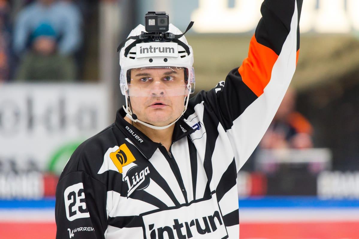 Timo Favorin