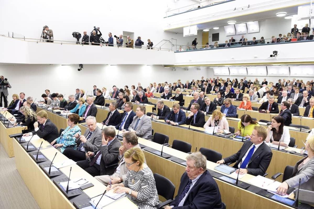 Eduskunnan Täysistunto Tänään