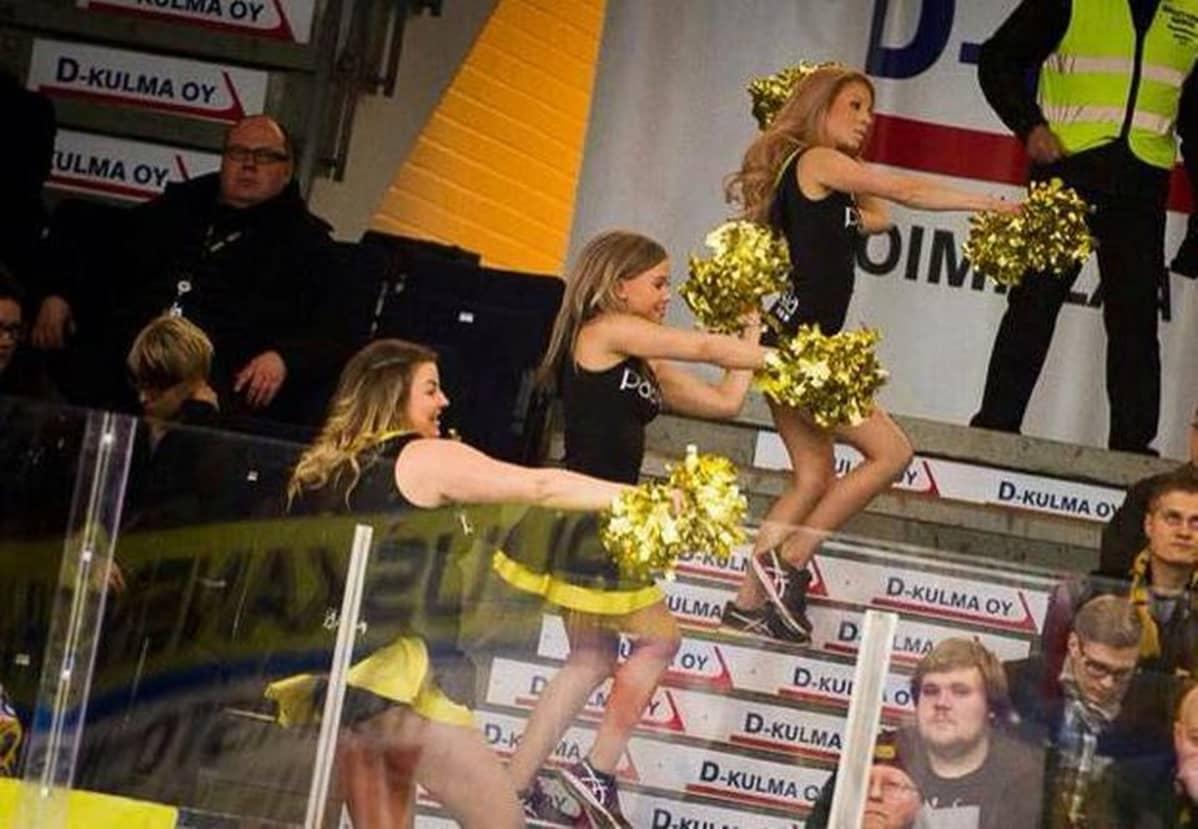 Saipa Cheerleaders