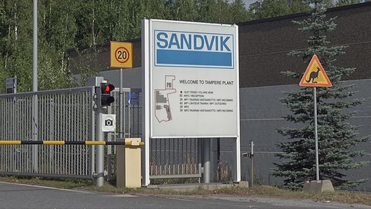 Sandvikilla ulosmarssi – syynä ABB:n pääluottamusmiehen irtisanominen | Yle Uutiset | yle.fi