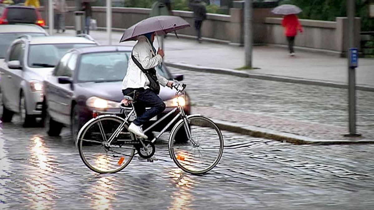 Pyöräilykypärä Laki