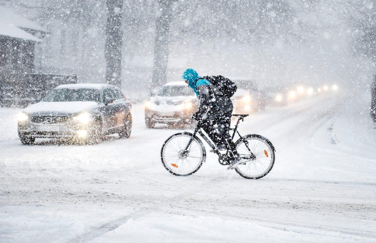 Eurooppa värjöttelee pakkasessa ja nauttii lumesta – katso talviset kuvat | Yle Uutiset | yle.fi