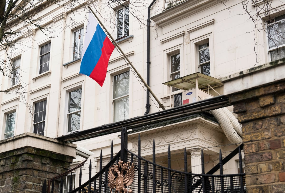 Venäjä vastaa brittien toimiin samalla mitalla – 23 diplomaattia karkotetaan | Yle Uutiset | yle.fi