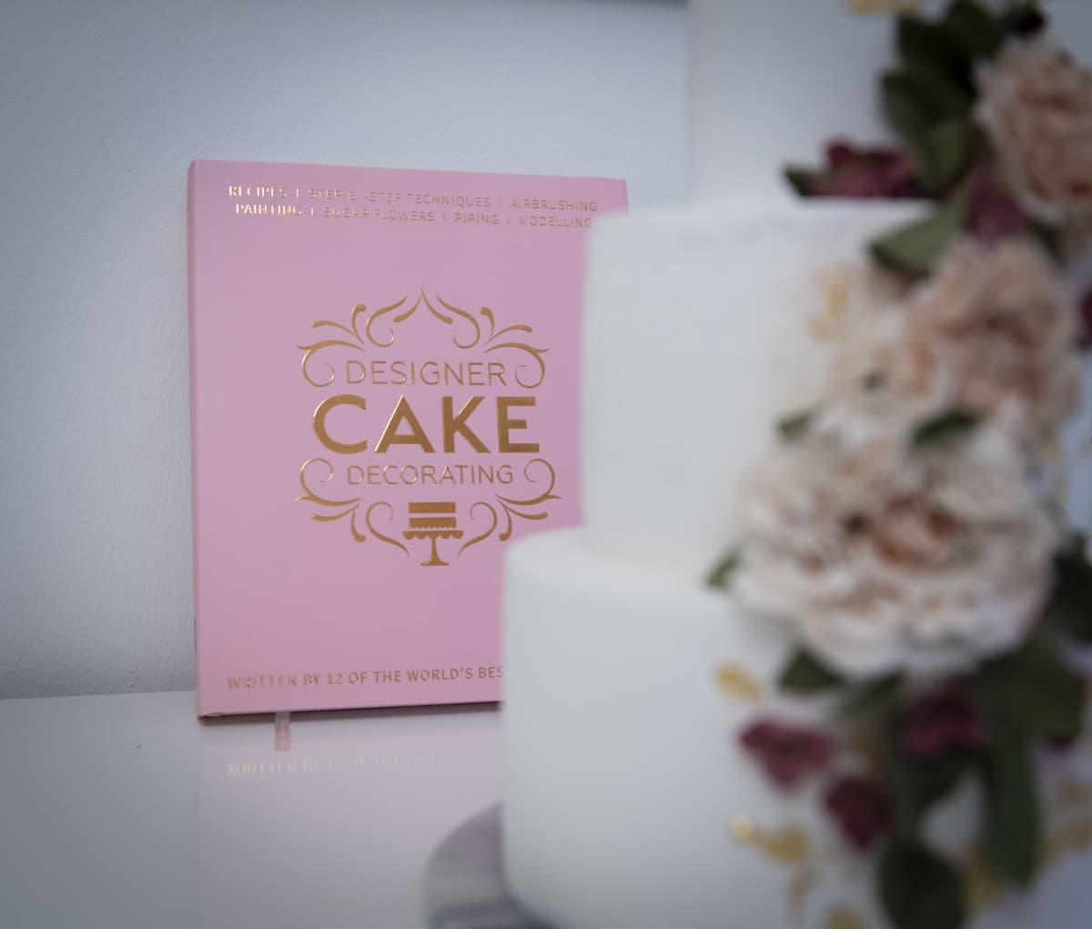 Kirja ja kakku