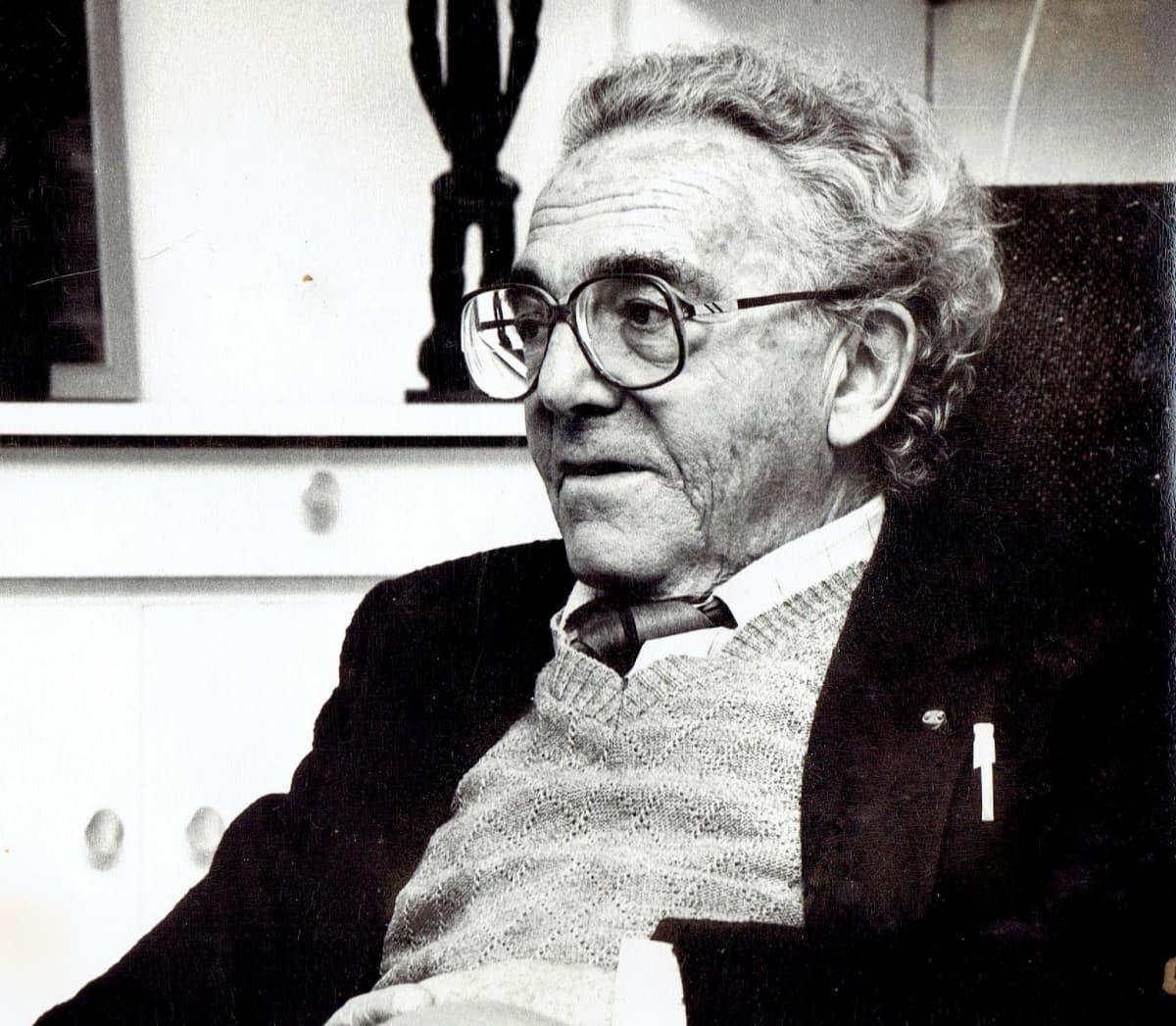 Kirjailija, psykiatri, entinen keskitysleirivanki Eddy De Wind 70 vuotiaana