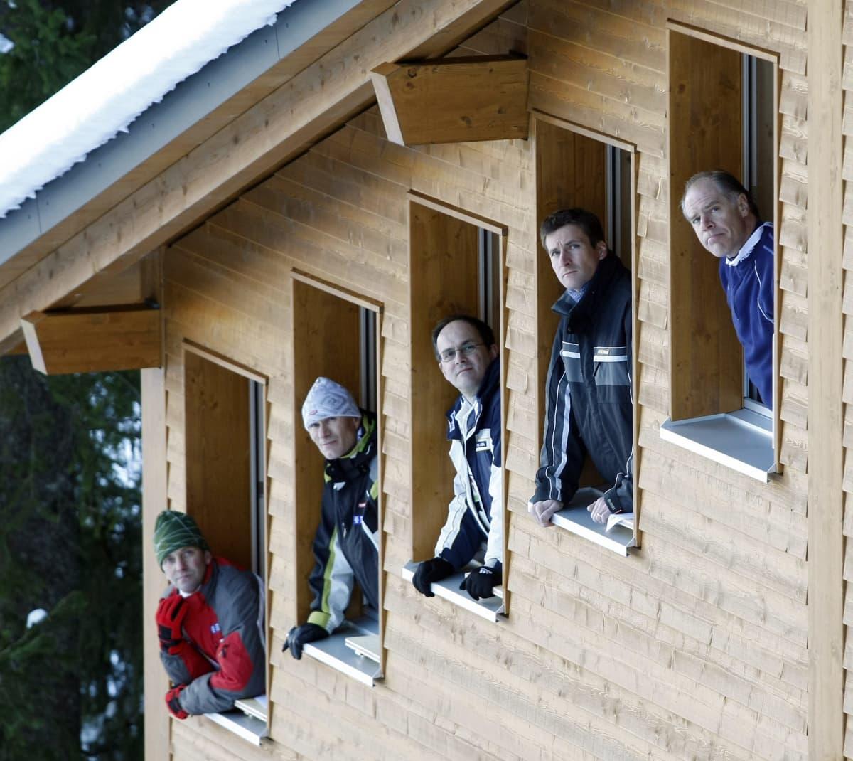 Jiri Parma (CZE), Mika Jukkara (FIN), Bostjan Ahacic (SLO), Christian Würsten (SUI) Kim Fripp (CAN)