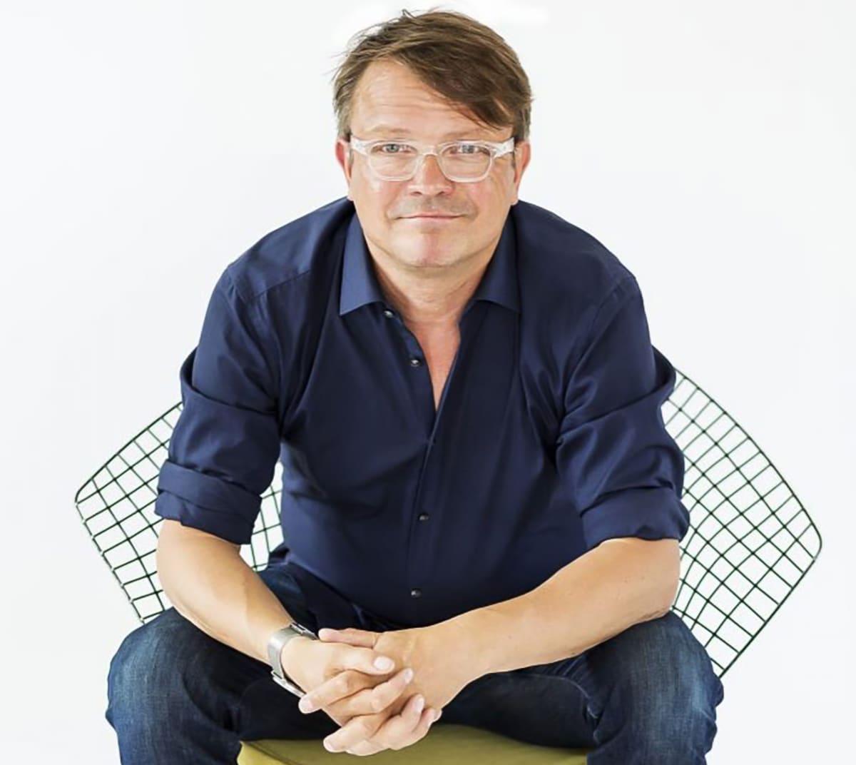 Muotoilija Mika Priha.