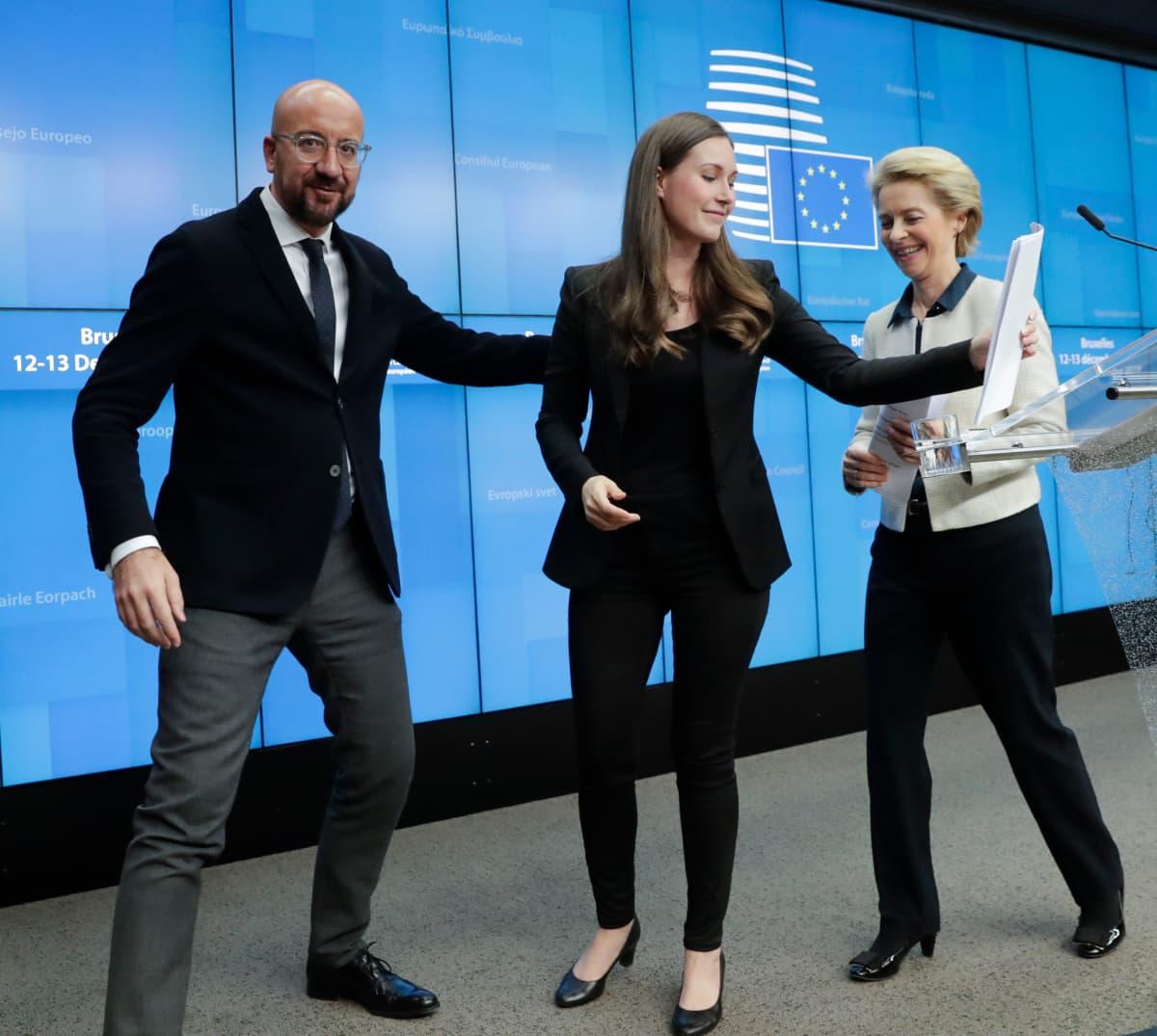 Charles Michel, Ursula Von der Leyen ja Sanna Marin Euroopan neuvoston kokouksessa 13 joulukuuta 2019