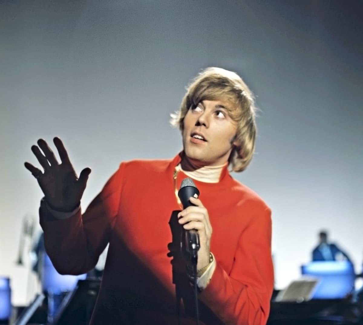 Danny esiintyy vuonna 1975