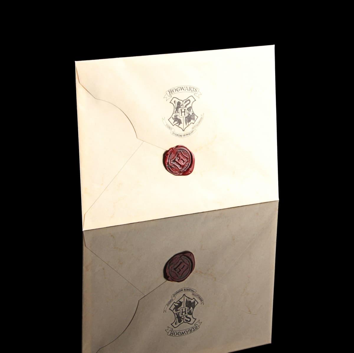 Hyväksymiskirje Hogwartiin Harry Potter -elokuvasta.