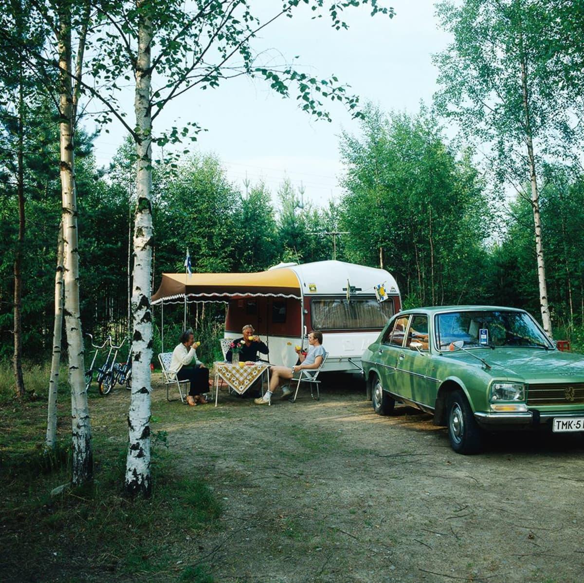 Kahvihetki leirintäalueella 1970-luvun lopulla.