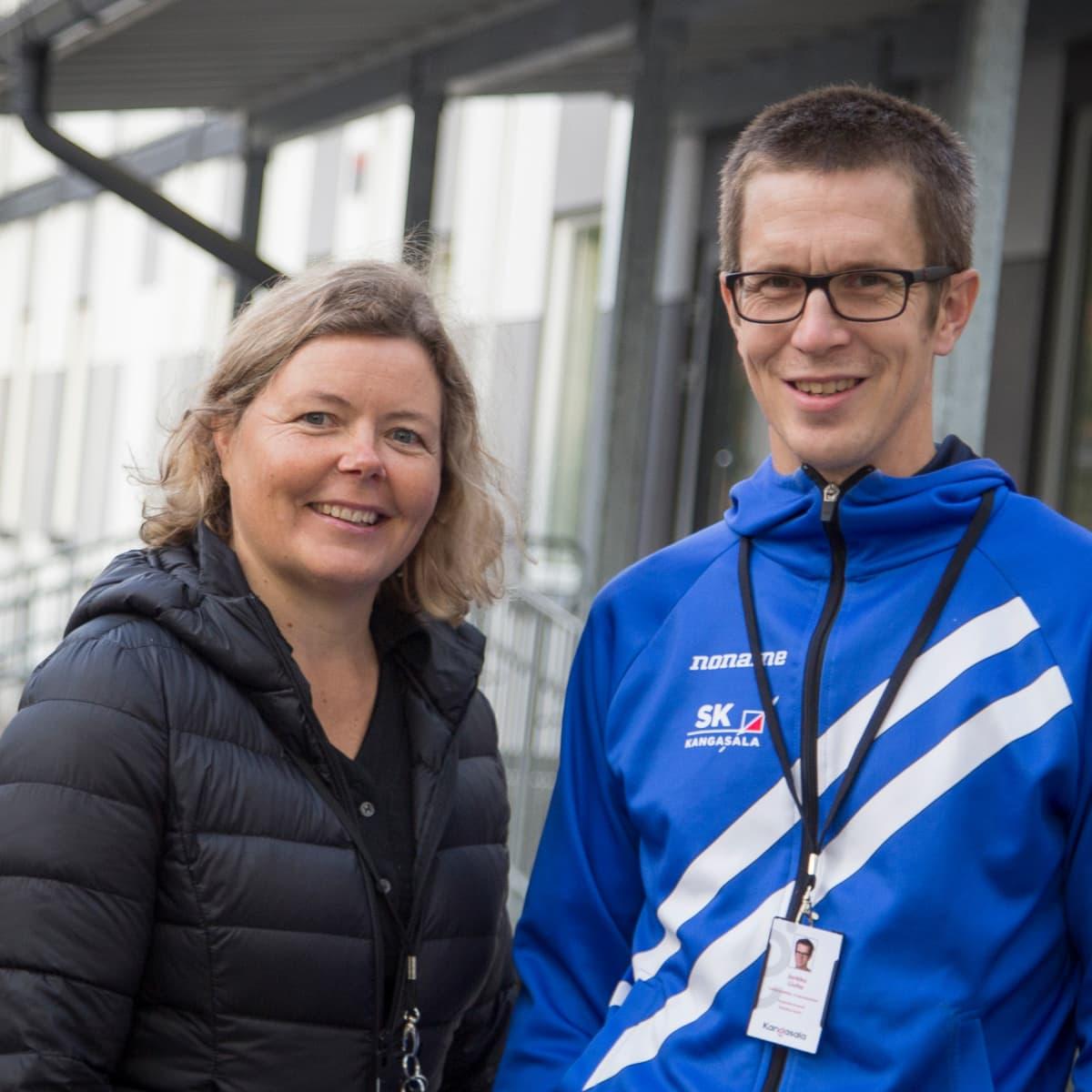Kangasalalaisen Vatialan koulun rehtori Mari Saarikko ja vs. apulaisrehtori Jarkko Liuha.