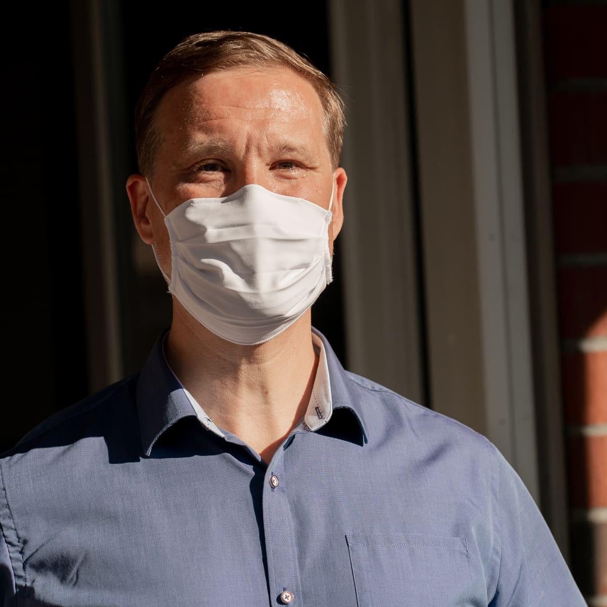 Psykiatrian erikoislääkäri Antti-Jussi Ämmälä.