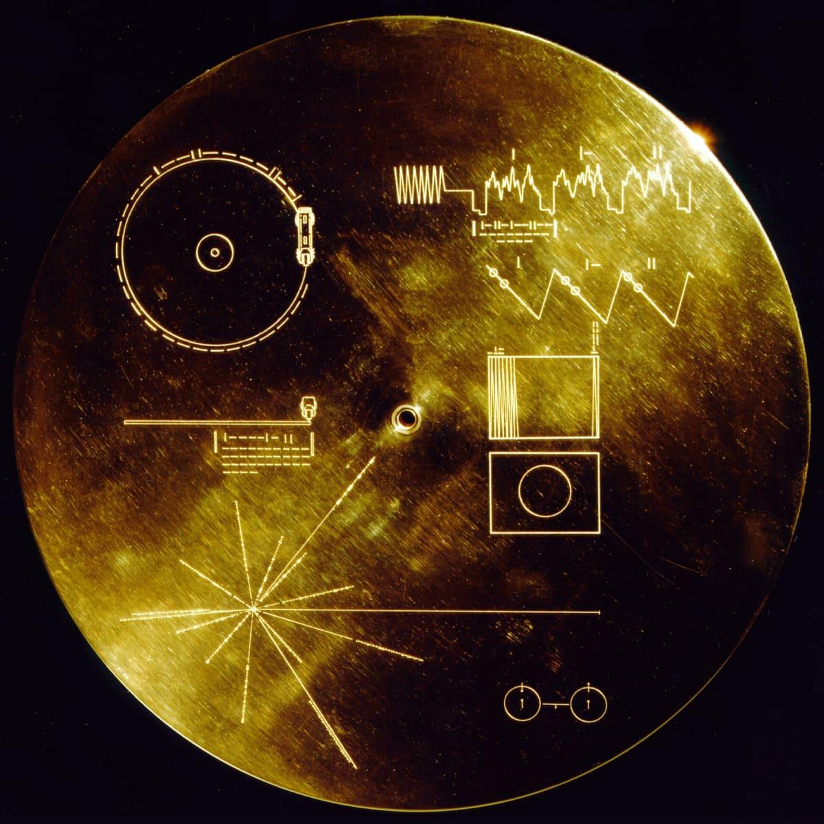 Fodralet till en av de gyllene skivorna från Voyagersonderna.