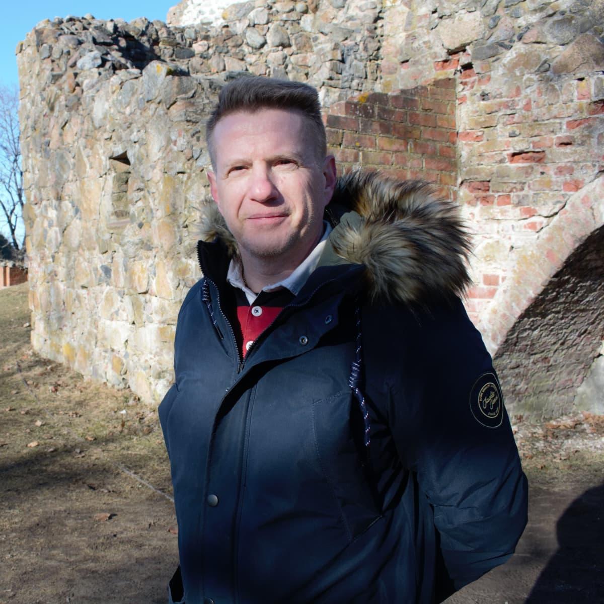 Ohjelmistosuunnittelija Markku Pohjola teki virtuaalimallin Kuusiston piispanlinnasta.