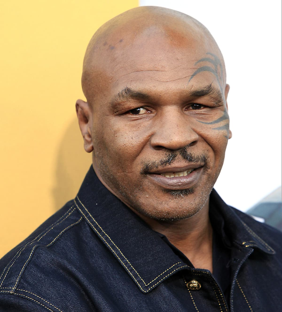 Ammattinyrkkeilijä Mike Tyson.