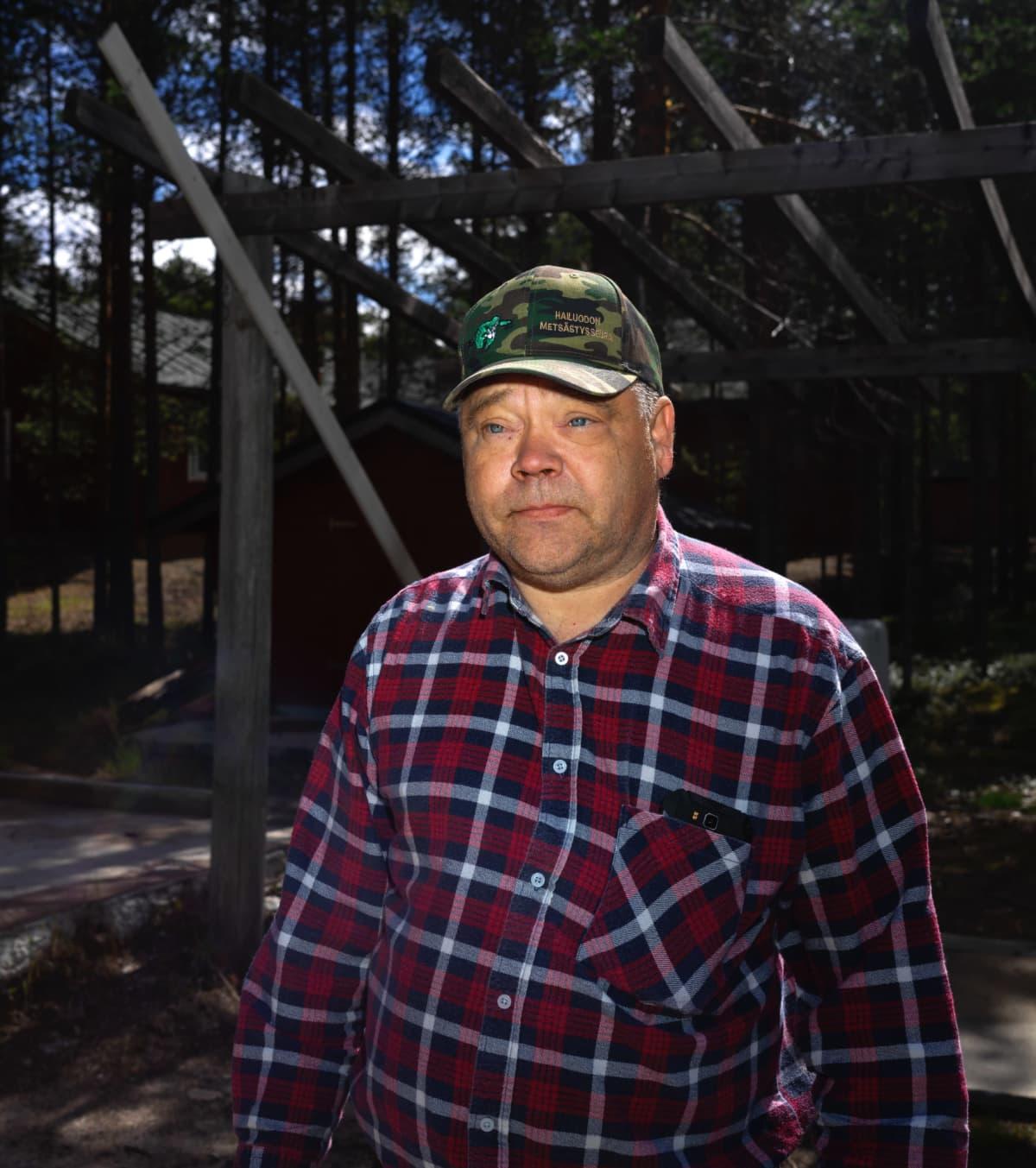 Hailuodon metsästysseuran pomo Hannu Viitaluoma