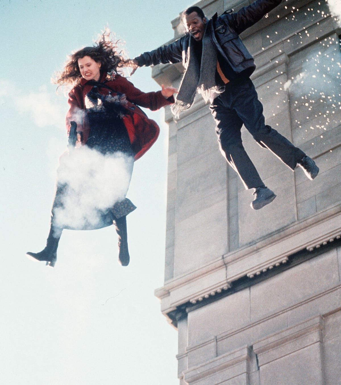 Geena Davis ja Samuel L. Jackson elokuvassa The Long Kiss Goodnight
