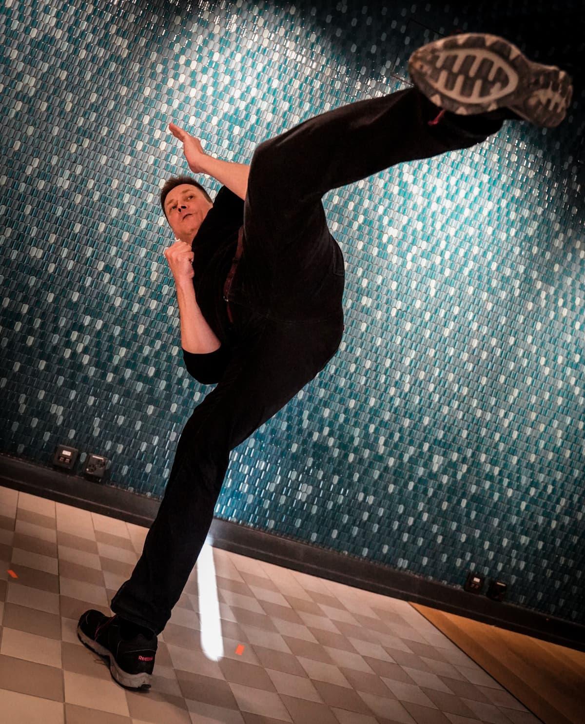 Hannu Leimu, Kadonneet, karate