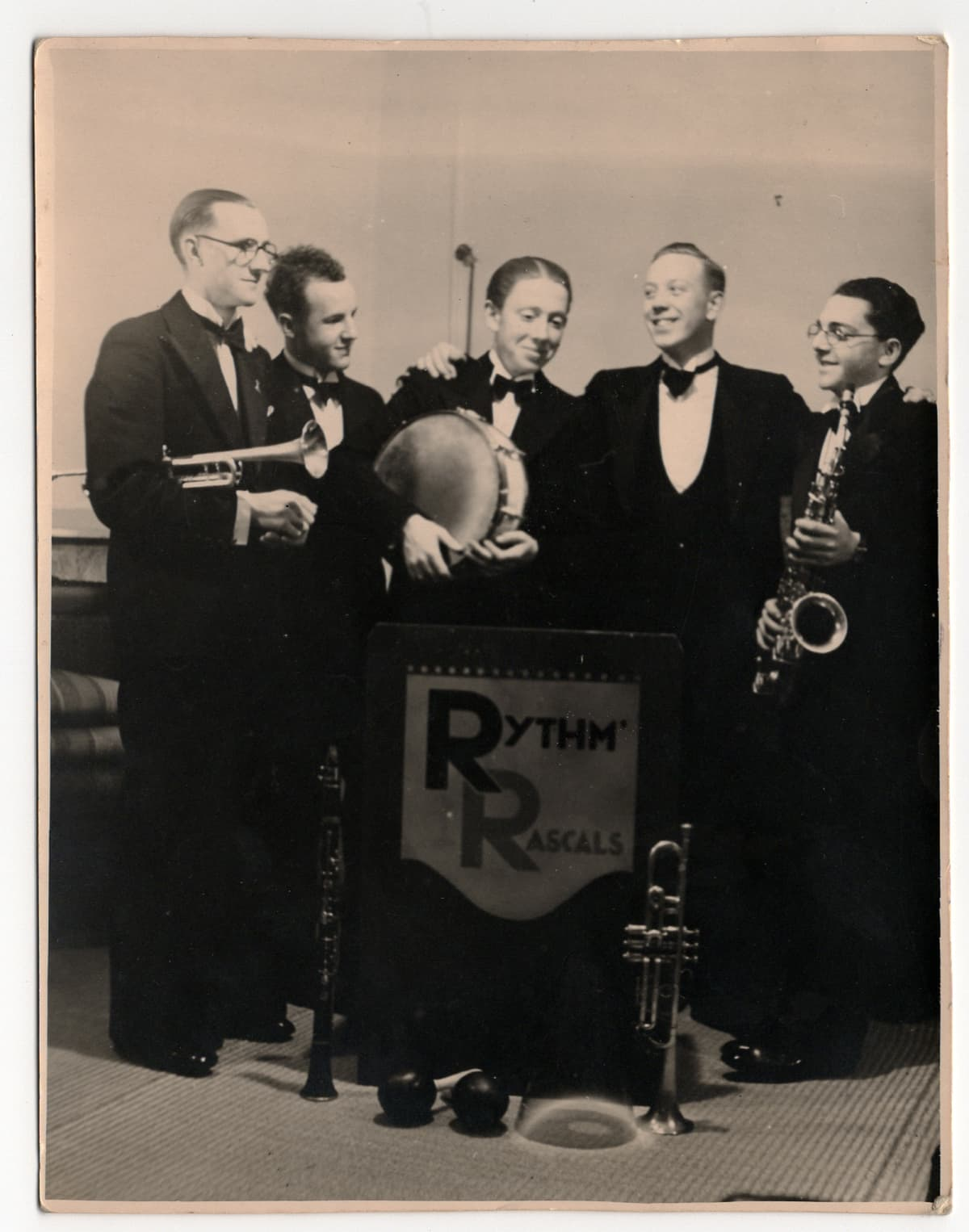 Ryhmäkuva Rythm Rascals -yhtyeestä.