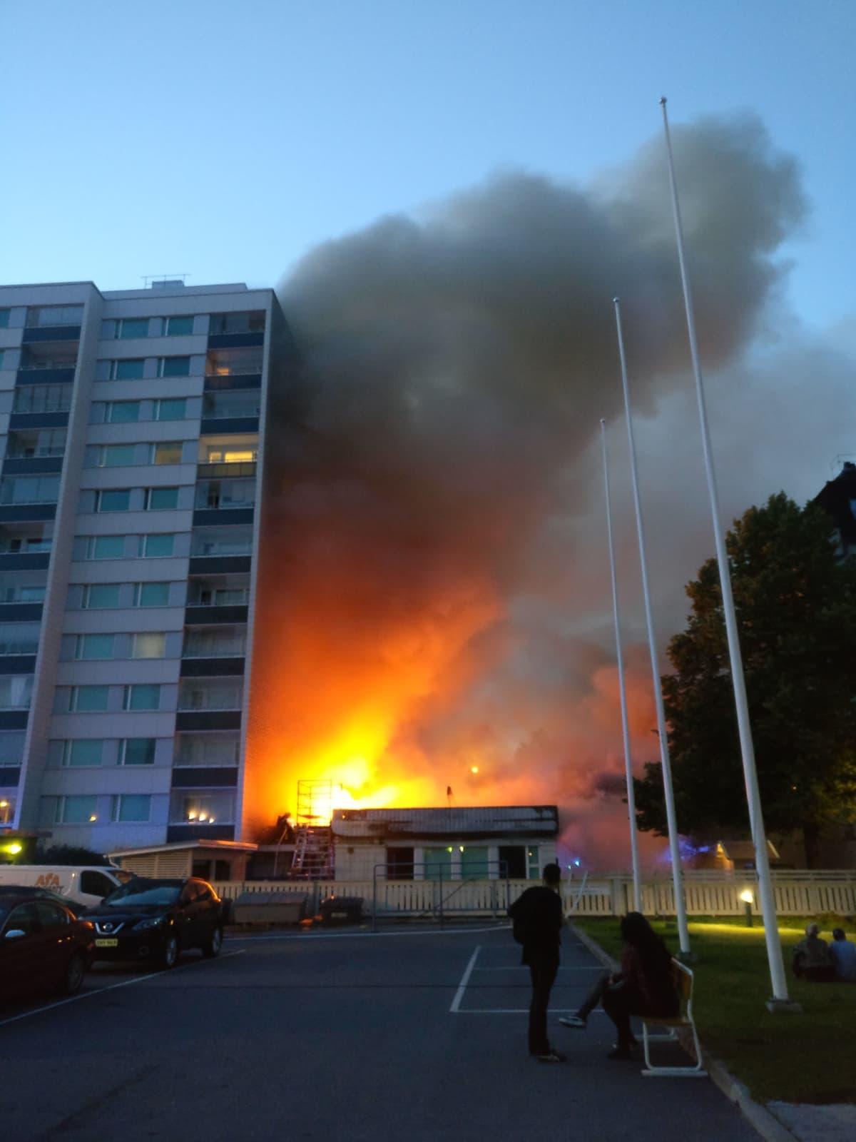 Tampere päiväkoti tulipalo 24.7. silminnäkijäkuva
