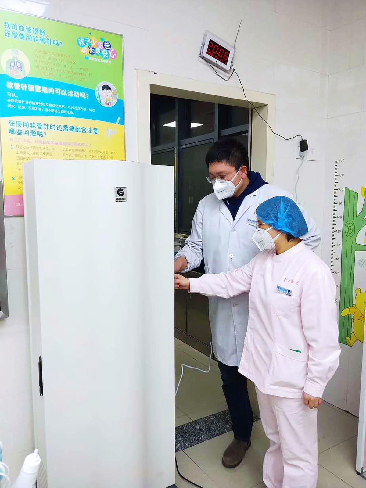 Espoolaisen terveysteknologiayritys Genanon ilmanpuhdistajia vietiin Kiinan Wuhaniin koronaepidemian aikaan helmikuussa 2020.