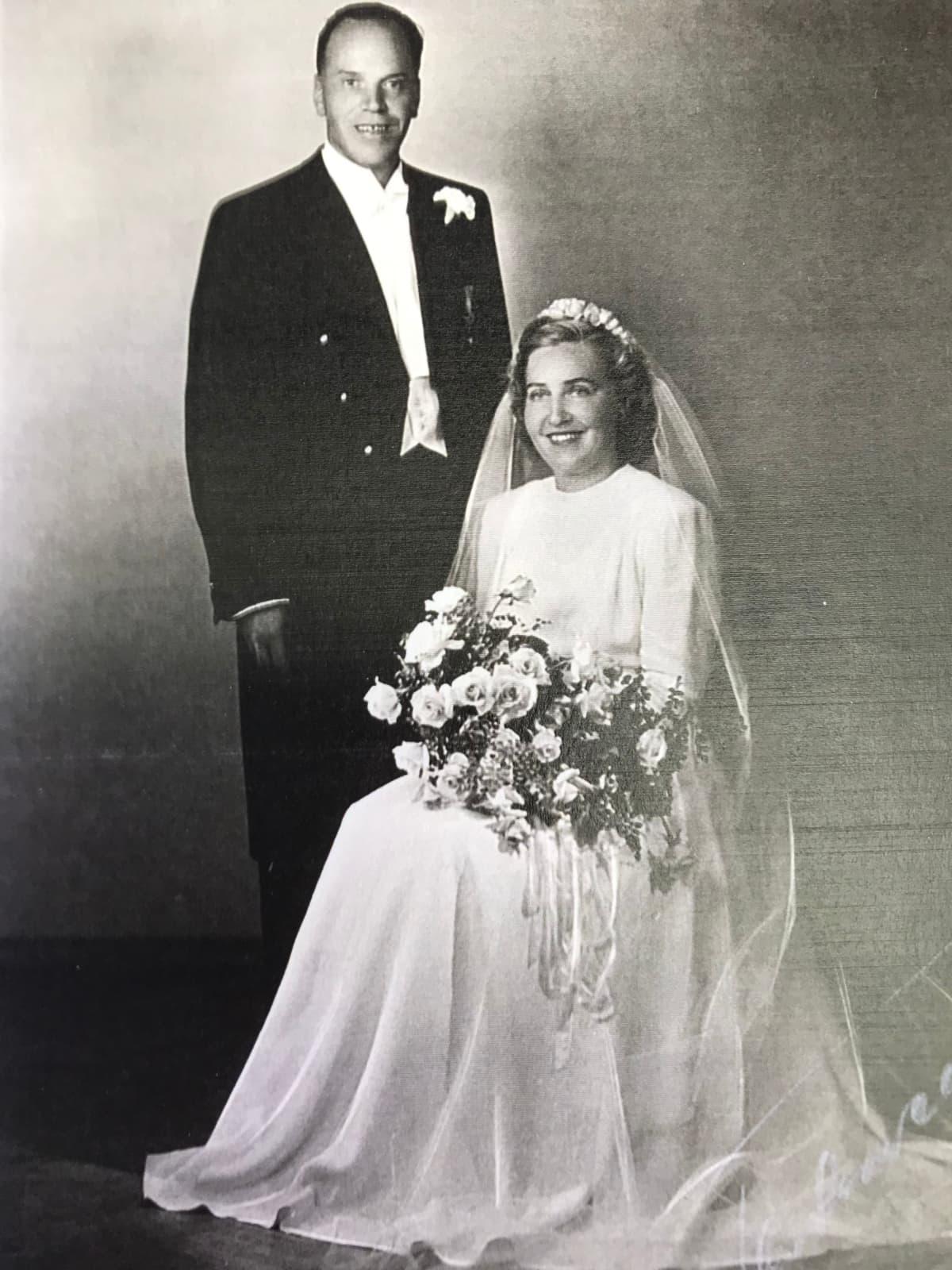 Martta Rainio ja Lennart Koskikara avioituivat elokuussa 1950.
