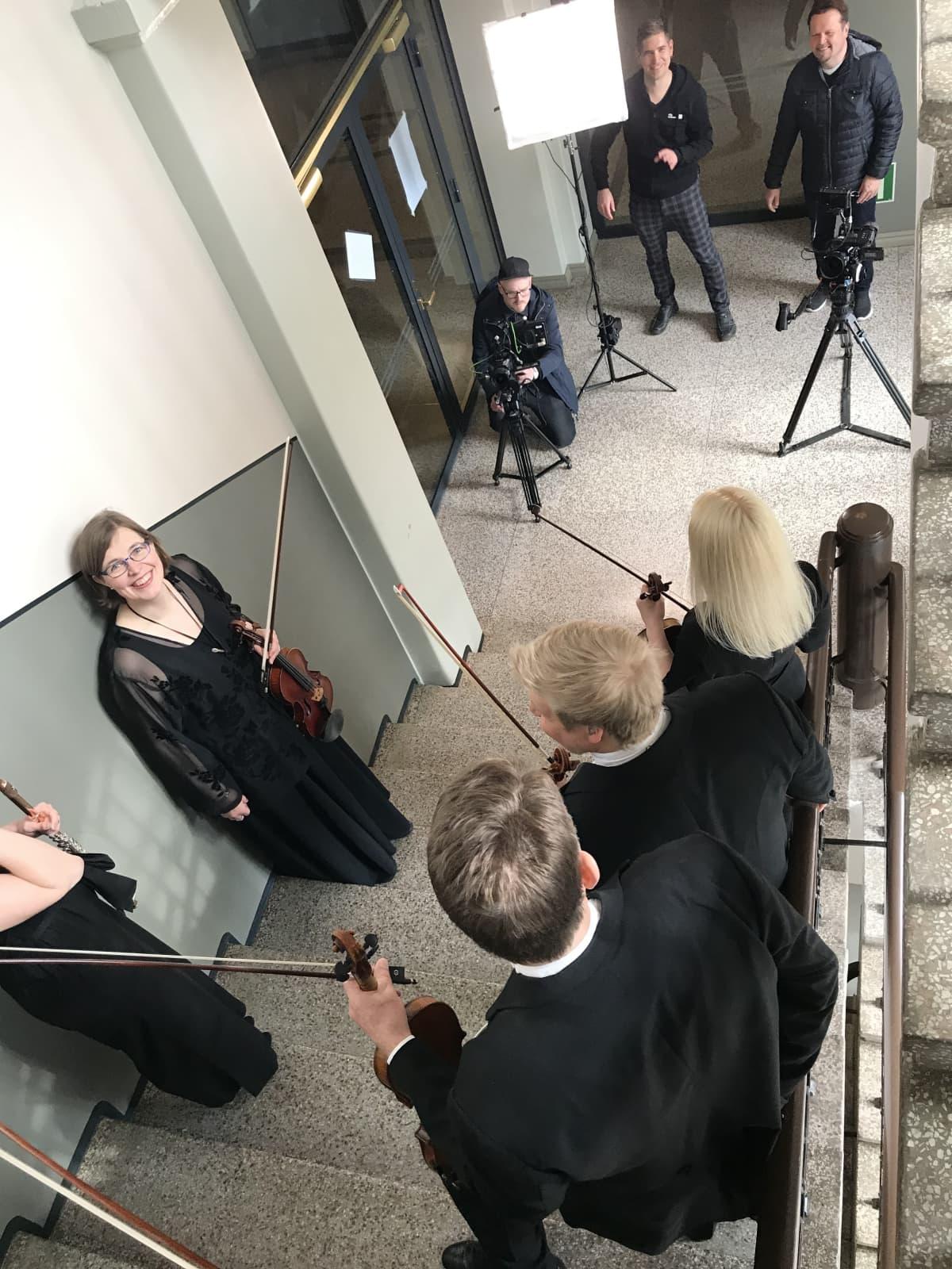 Sinfonia Lahti musiikkivideon kuvauksissa.