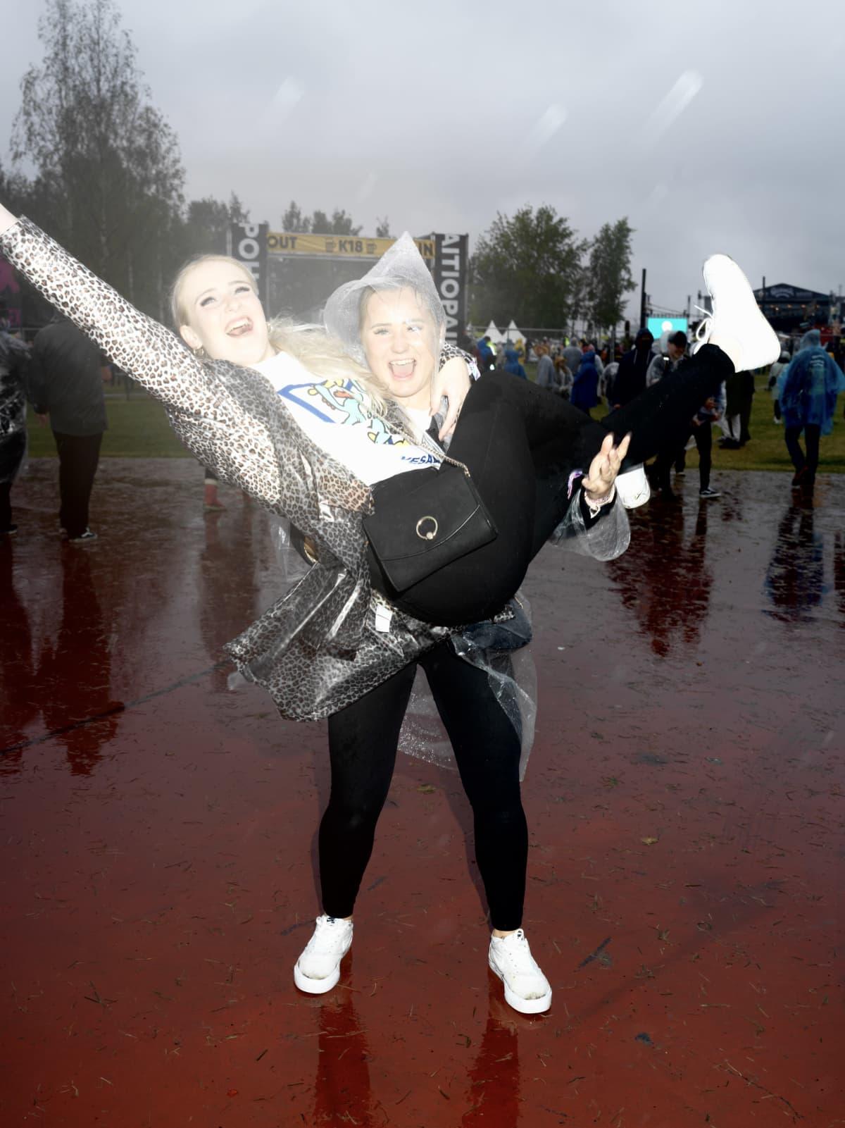 Stina Lahtinen ja Minttu Jokiaho