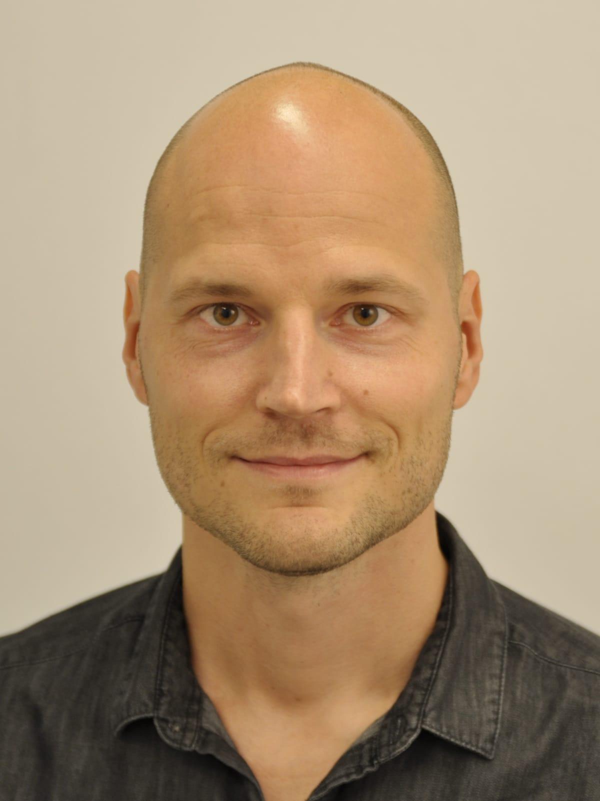 Jyväskylän yliopiston etnologian dosentti, yliopistolehtori Jukka Jouhki