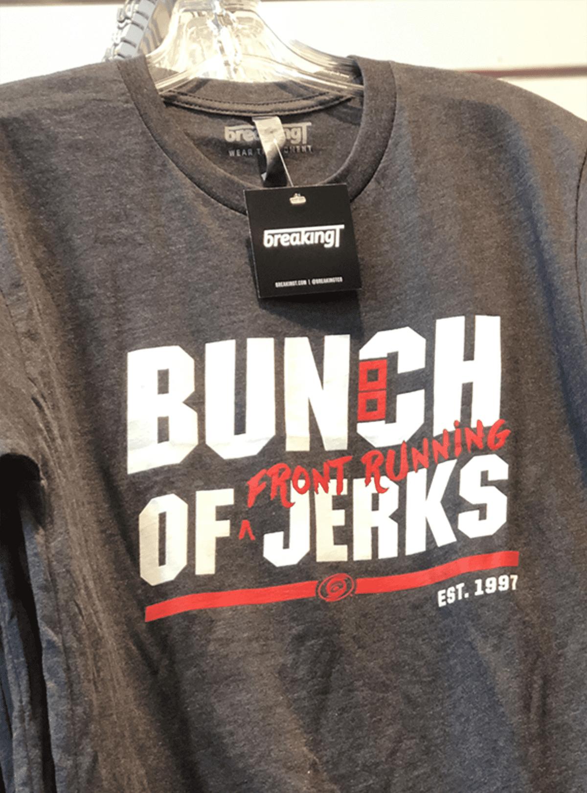 """Paita jossa lukee """"bunch of jerks"""""""