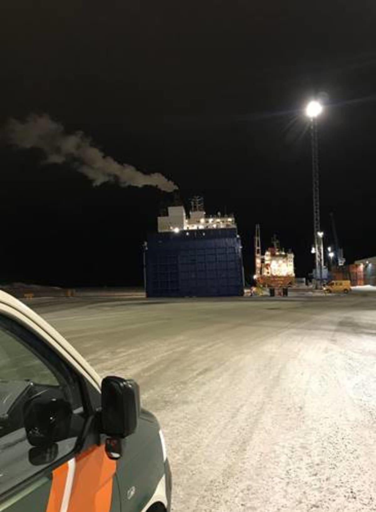 rahtialus Rauman satamassa