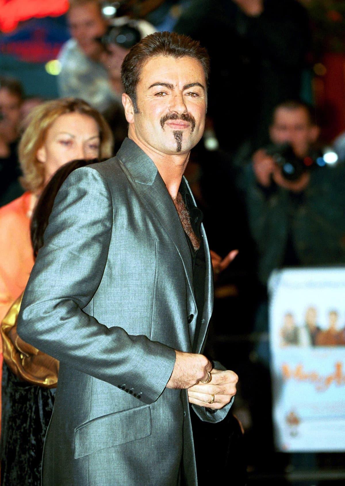 George Michael elokuvan ensi-illassa Lontoossa vuonna 2000.