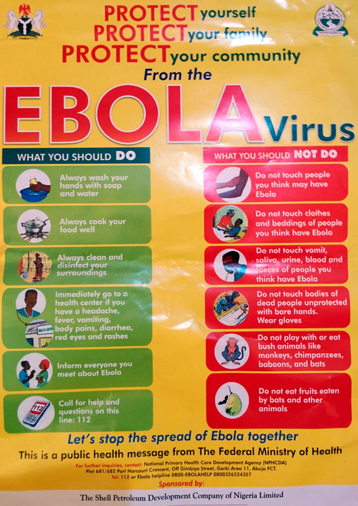 Ebolasta kertova juliste kadulla Nigeriassa.