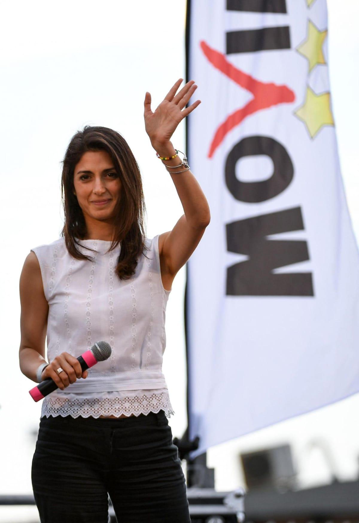 Virginia Raggi, förhandsfavorit i borgmästarvalet i Rom (bilden tagen två dagar före valet 17.6.2016)