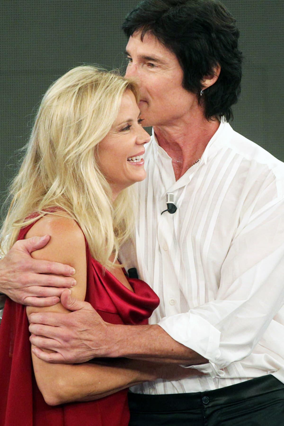 Kauniit ja rohkeat -sarjan näyttelijät Katherine Kelly Lang (Brooke) ja Ron Moss (Ridge) vuonna 2010.
