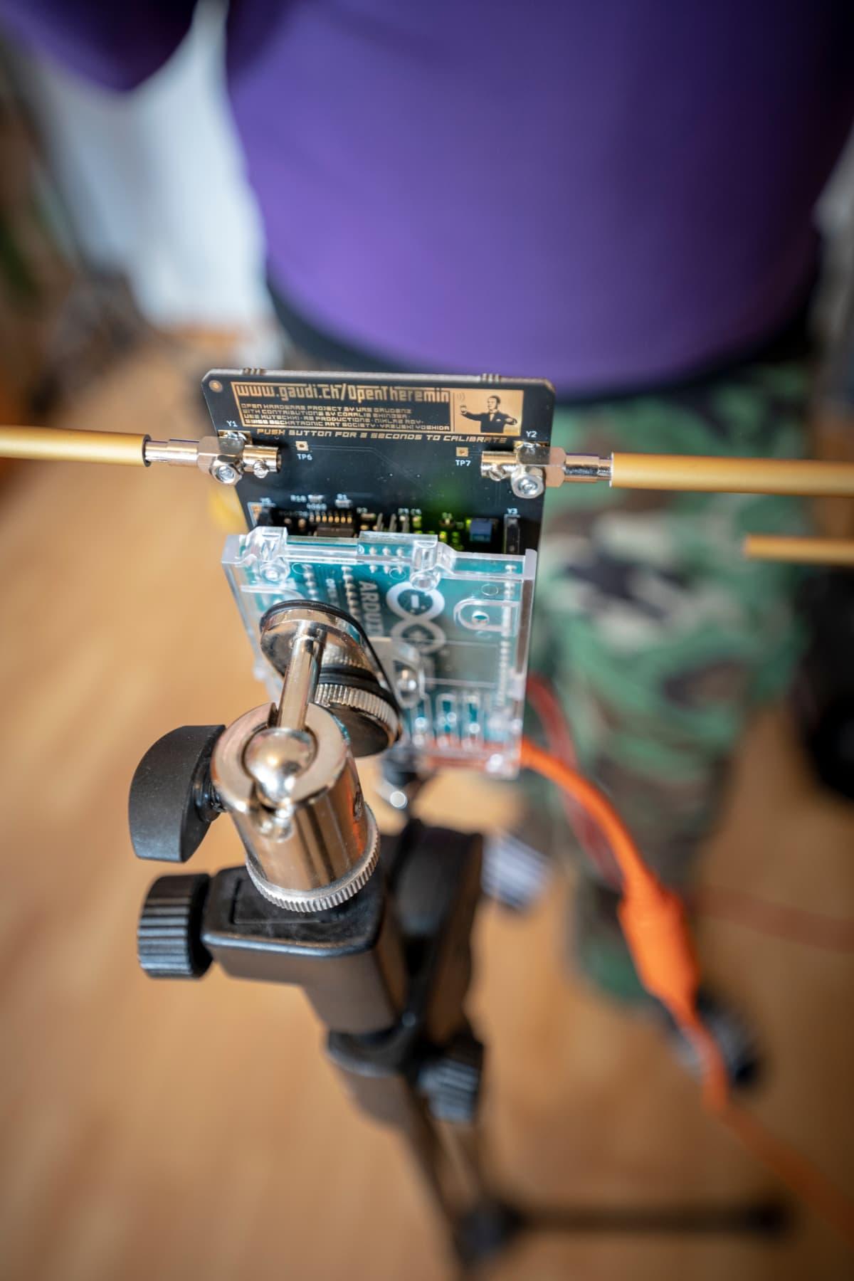 Halvimman thereminin voi rakentaa itse osista noin sadalla eurolla.