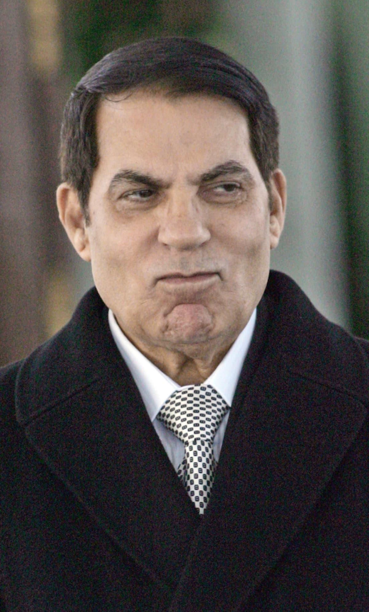 Zine al-Abidine Ben Ali Tunisin lentokentällä 13. joulukuuta 2010.
