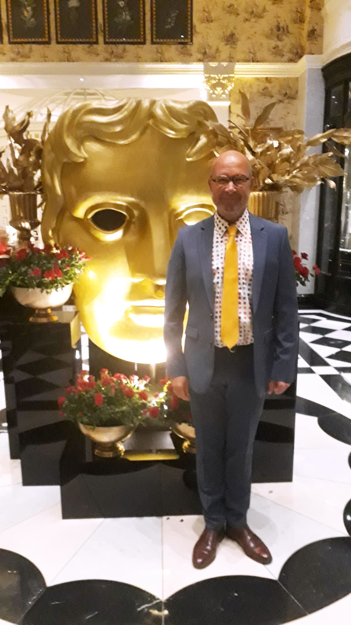 Tapio Salmi oli Rocketman-elokuvan maskeerauksesta ehdolla brittiläisen Bafta-palkinnon saajaksi. Gaala järjestettiin lontoolaisessa Savoy-hotellissa.