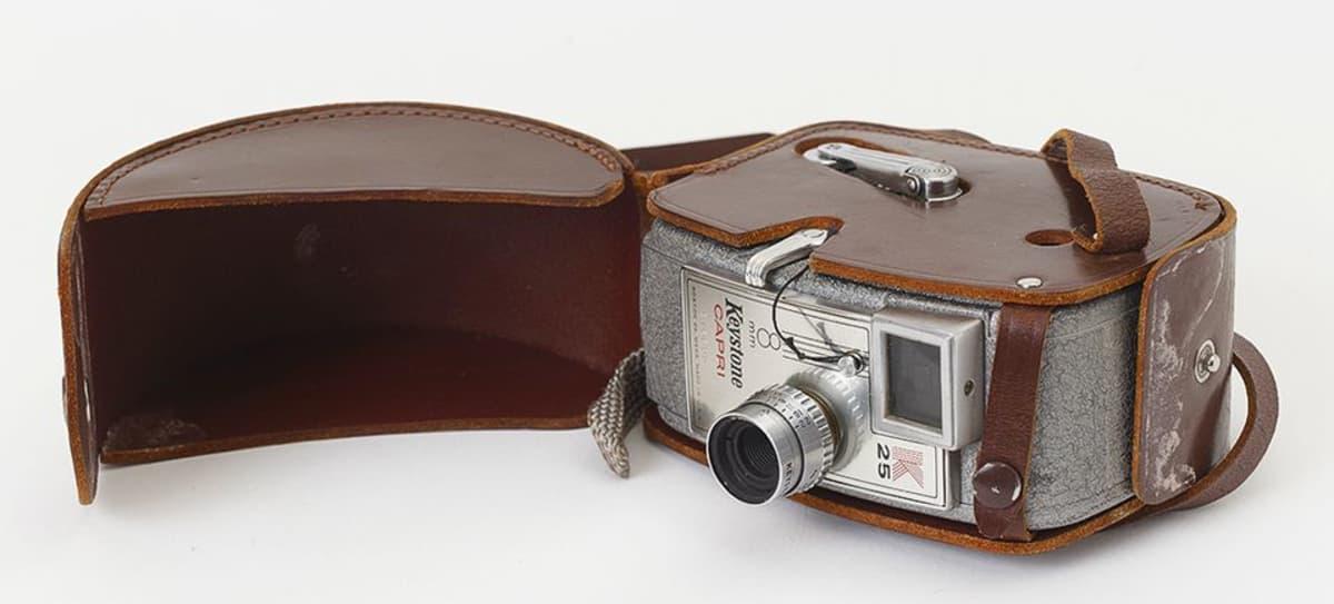 Kaitafilmikamera Keystone Capri K25 1950-luvun puolivälistä.