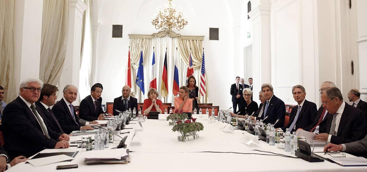 Wienissä käytävissä neuvotteluissa Iran ja niin sanotut P5+1-maat – Yhdysvallat, Venäjä, Kiina, Britannia, Ranska ja Saksa – hierovat historiallista sopua Iranin ydinohjelmasta.