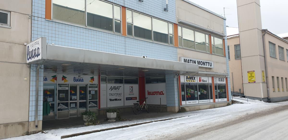 Kauppakeskus Kauppalinnassa toimi alkuviikosta enää kaksi yritystä. Nyt toinen niistä on ilmoittanut muuttavansa uuteen osoitteeseen.