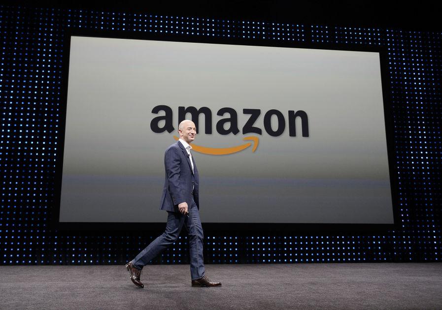 Kukaan ei ole koskaan ollut näin rikas – Amazonin perustajan Jeff Bezosin varallisuus huimat 87 ...