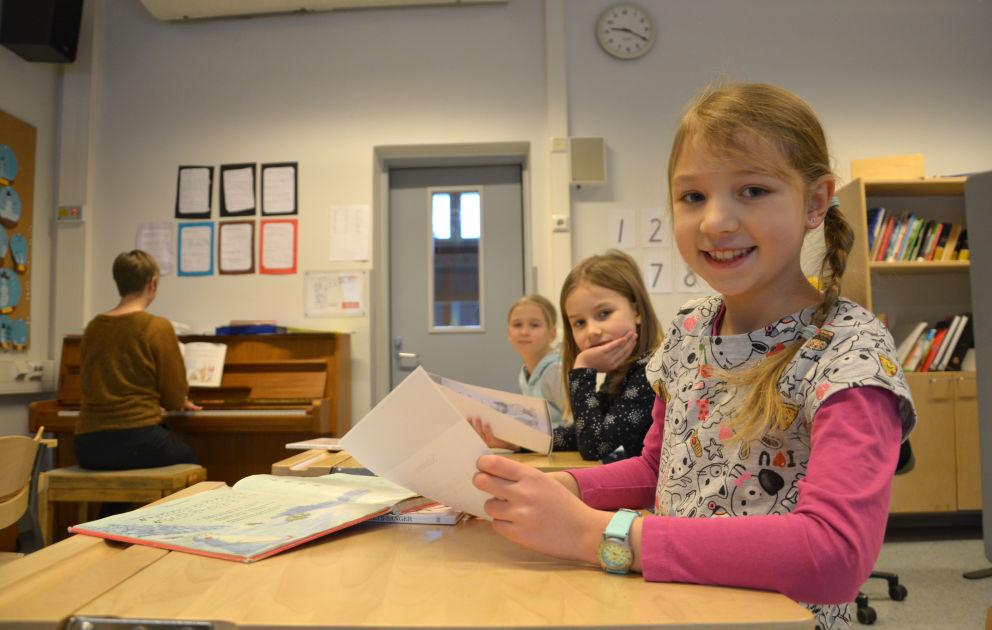 Salon ruotsinkielistä koulua käy vain 15 oppilasta, mutta kaupunki pitää koulusta tiukasti ...