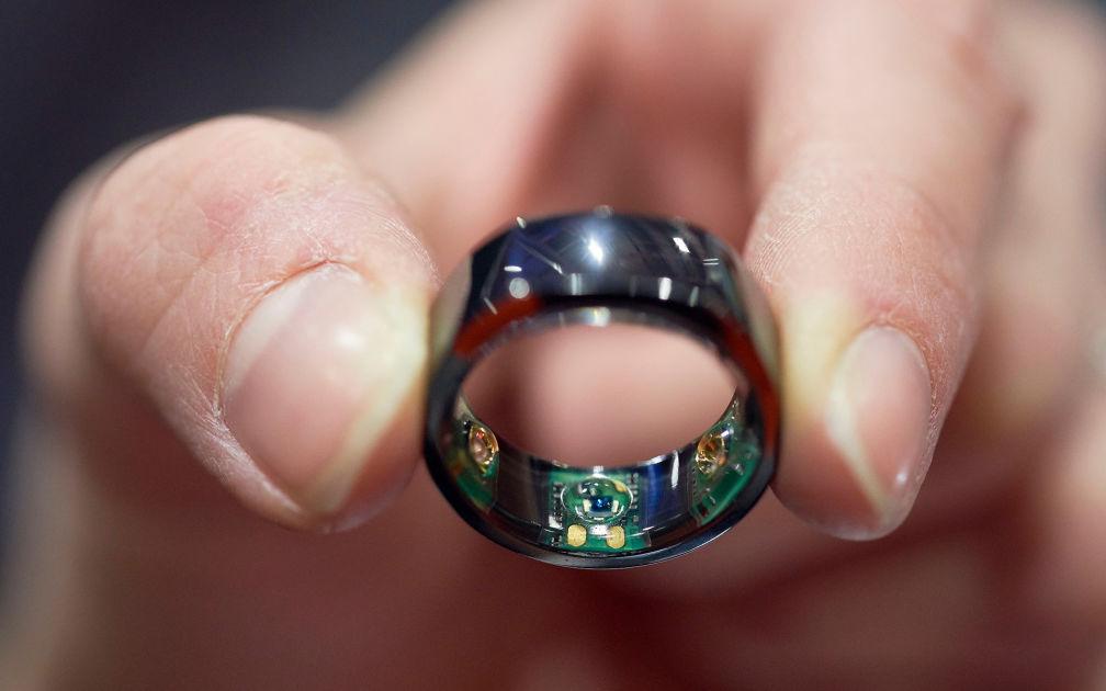 Mystisten sormusten tarina kiehtoo somessa - palavaa rakkautta, riipiviä eroja vai puhtaita vahinkoja?