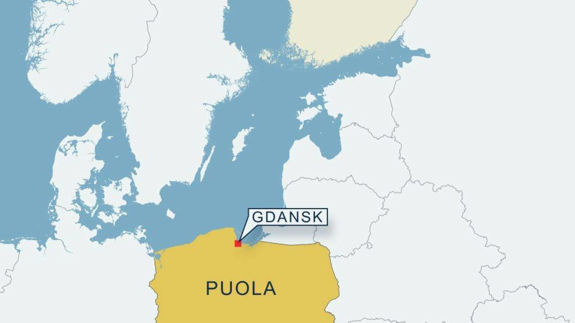 Hs Puolan Gdanskissa Suuri Fosforipaastojen Lahde Yle Uutiset