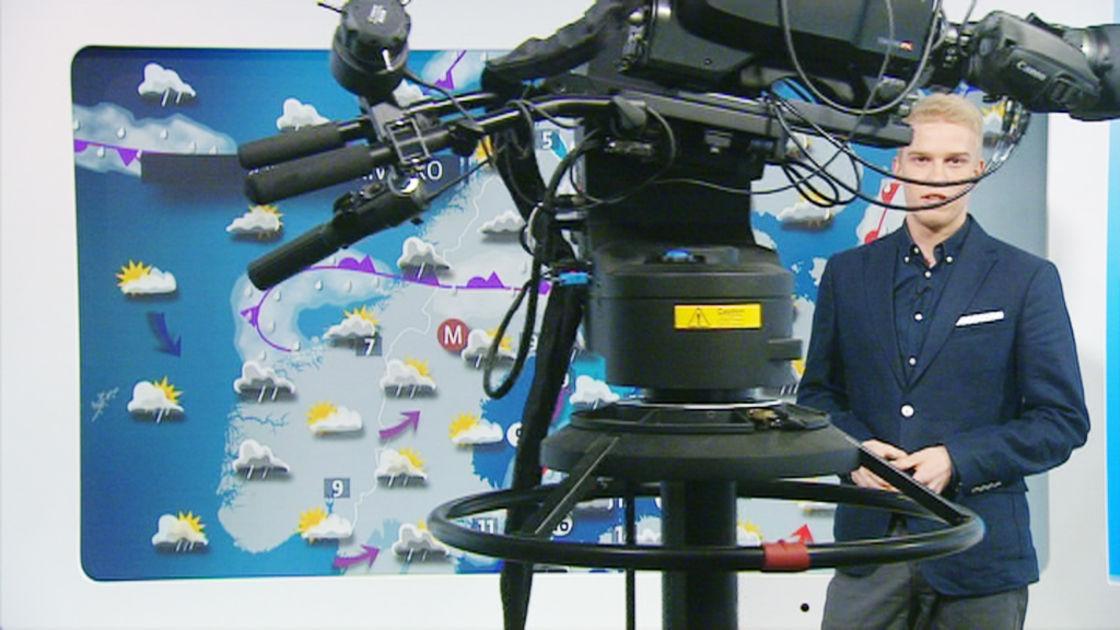 Robottikamera hiipi yllättäen kuvan poikki pääuutisissa – meteorologi pysyi viileänä   Yle ...