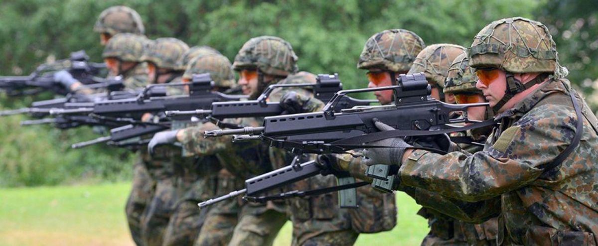Saksan armeija romuttaa 167 000 kieroa kivääriä